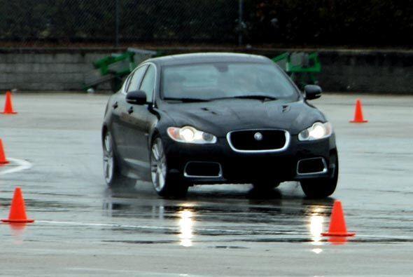 Los afortunados compradores de un Jaguar Serie R pueden elegir entre cua...