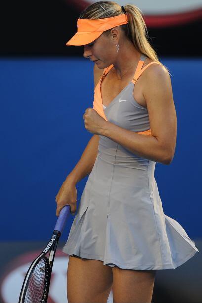 María Sharapova es admirada por su elegante juego, belleza, esbelto cuer...