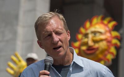 El multimillonario y activista del medio ambiente, Tom Steyer, durante u...