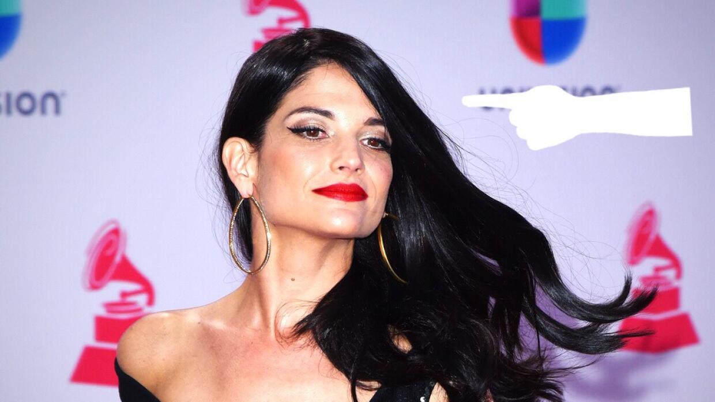 La cantante Natalia Jiménez en la alfombra roja de los Latin Grammy