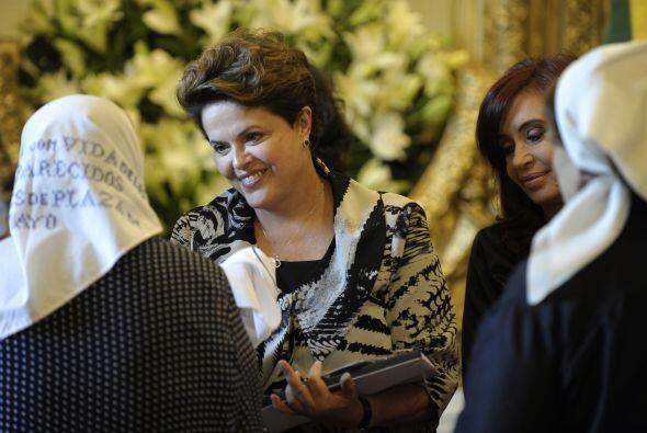 Dilma Rousseff felicitó a las Madres y Abuelas por el papel y la ardua l...
