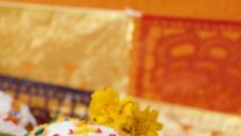Día de muertos con platillos tradicionales