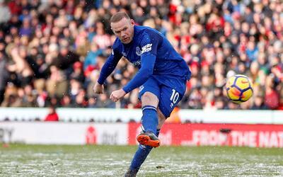 Wayne Rooney, a horas de tener su primer contacto con la directiva de D....