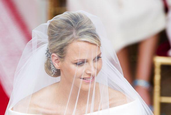 La fastuosa boda tuvo 800 invitados y una recepción incomparable. Charle...