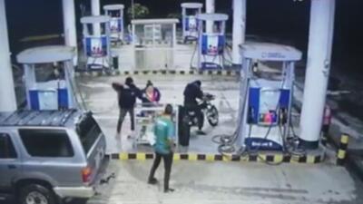 A punta de pistola, dos ladrones asaltan una gasolinera en Costa Rica