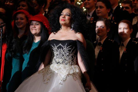 Otros artistas que participaron en el concierto fueron Diana Ross, Demi...