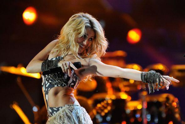 Shakira batió récord con su tema  Waka Waka.