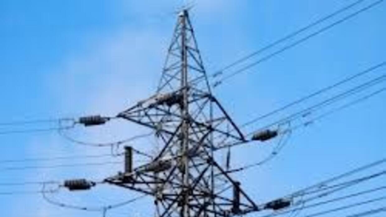 Sin luz cientos de residentes en varios municipios