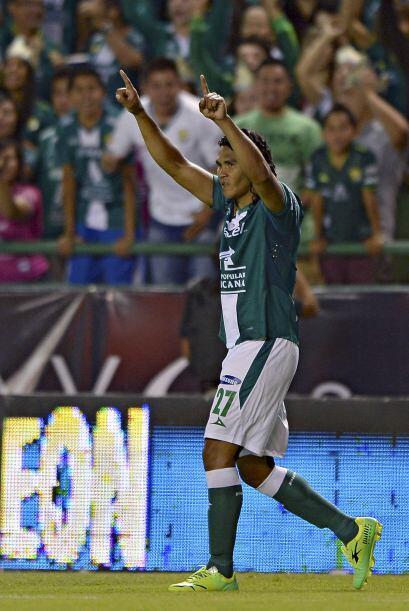 Carlos Peña (8): De los mejores jugadores del partido, y aunque t...