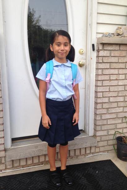Teresa Bravo: Mi hija le encanta la escuela  Se levantó muy temprano!