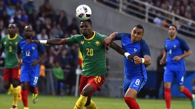 Francia exhibe poder ofensivo y carencias defensivas ante Camerún