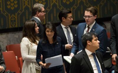 La embajadora de EEUU ante la ONU, Nikki Haley, fue la encargada de pres...