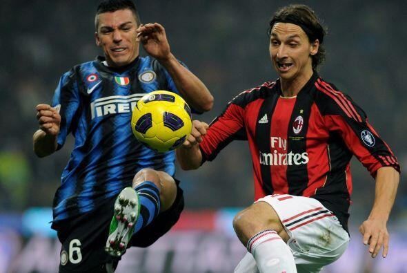 El ataque del Milan también parecía conformarse con el gol y hacía poco...