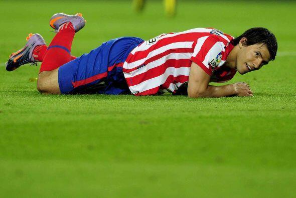 El ataque del Atlético, con Sergio Agüero y Diego Forl&aacut...