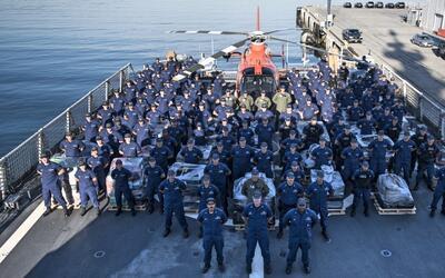 Guardacostas presentaron en San Diego las 16.4 toneladas de cocaí...