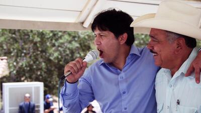 Kevin De León, líder del Senado de California, durante un evento en favo...