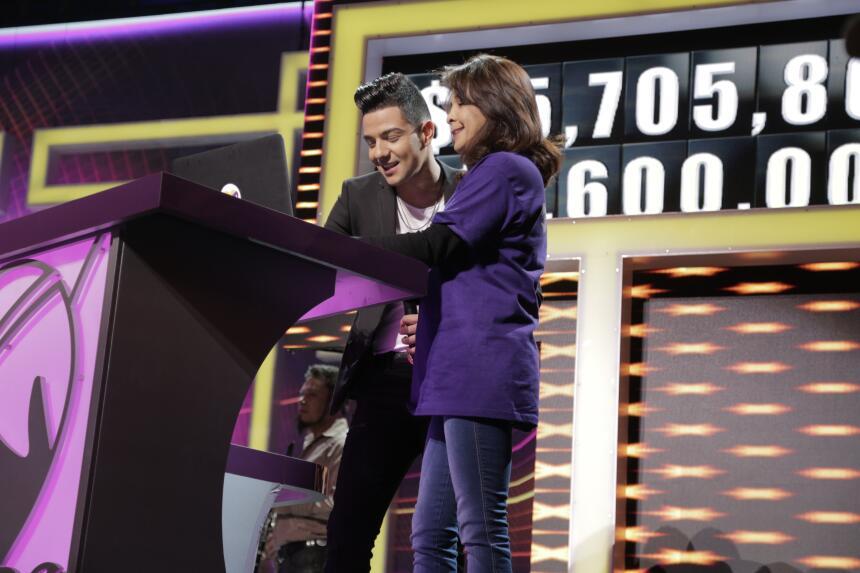 Luis Coronel llega al escenario de TeletónUSA.