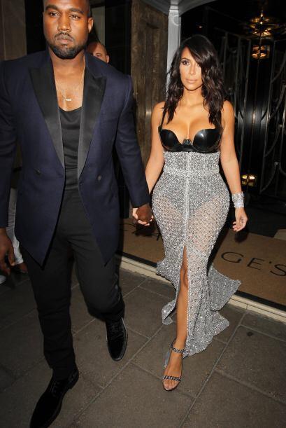 Kanye se vio opacado por su mujer.