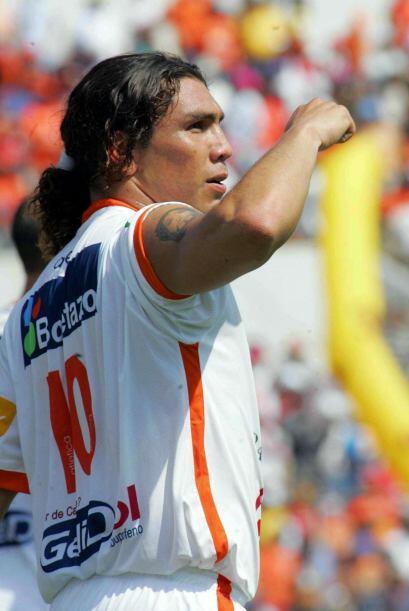 El paraguayo Salvador Cabañas, con Jaguares, se quedó con...