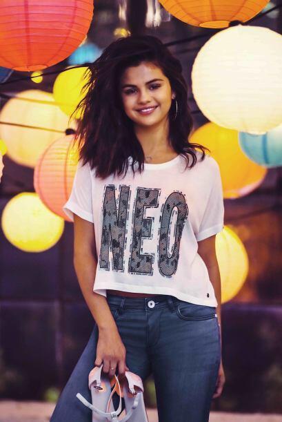 Si Selena no fuera hermosa, Adidas no la hubiera contratado para ser su...
