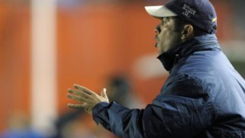 El colombiano Jaime de la Pava fue presentado como nuevo entrenador del...