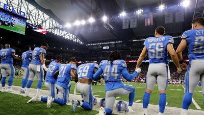En fotos: jugadores de la NFL se arrodillaron en protesta histórica contra Trump