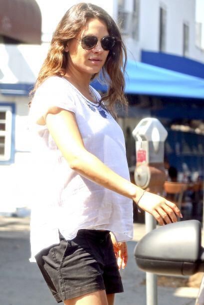 Por otra parte, Mila Kunis también se dejó ver este fin de semana.