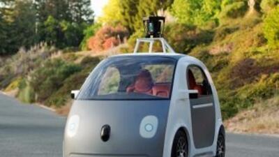 La empresa mostró un prototipo de diseño propio con un modelo futurista....