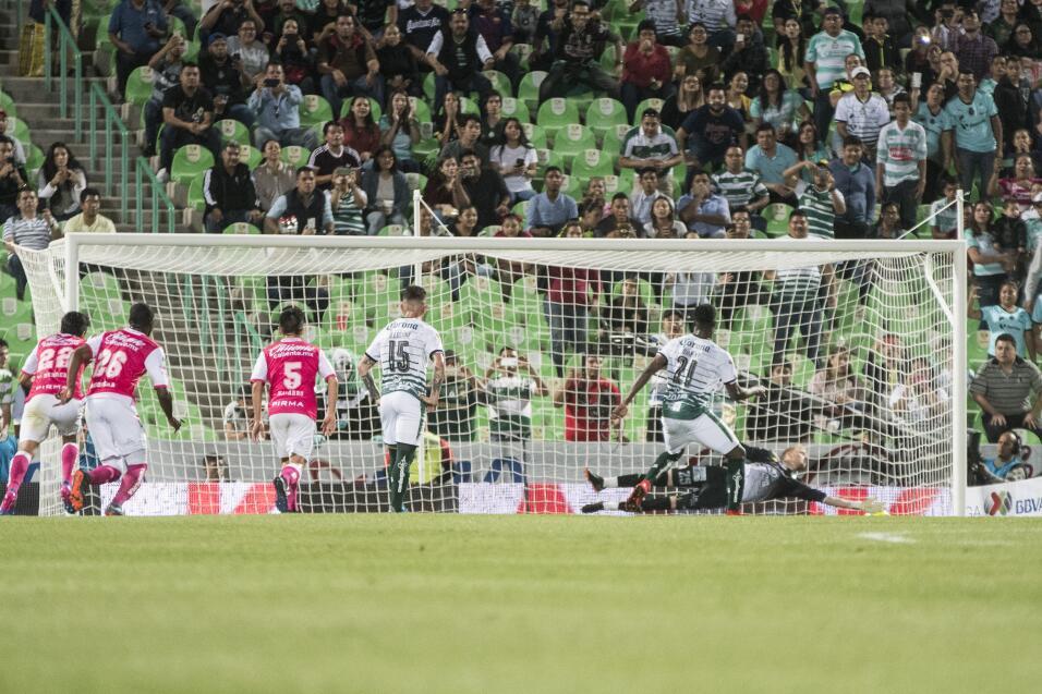 Santos no hacía cinco goles como local desde el 2012  20180214-4343.jpg