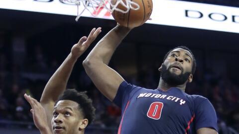 Drummond con 20 puntos y 23 rebotes.