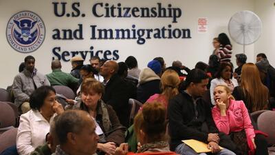 ¿En qué consisten los cambios en el trámite de inmigración para la residencia a través del matrimonio?