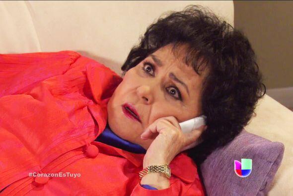 Despierte doña Yolanda, su hija se convertirá en mamá. ¡Córrale al hospi...