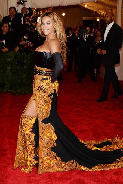 Beyoncé no parecía salida de una película de terror, pero sí de un desfi...