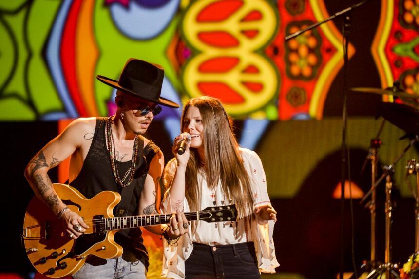El exitoso dúo mexicano Jessie & Joy estrena mundialmente su...
