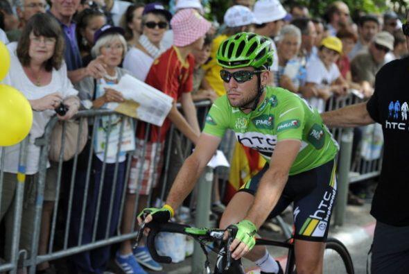 Mark Cavendish tuvo un gran desempeño en la décimotercera etapa del Tour...