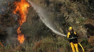 California bajo el calor de los incendios forestales