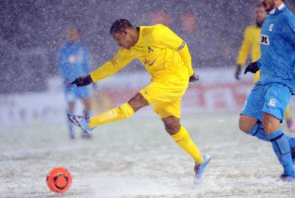 Gent y Levski Sofia jugaron en una cancha que más bien parec&iacu...
