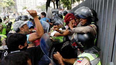 """En fotos: protestas en Venezuela tras pedido de la OEA de """"restaurar el orden democrático"""""""