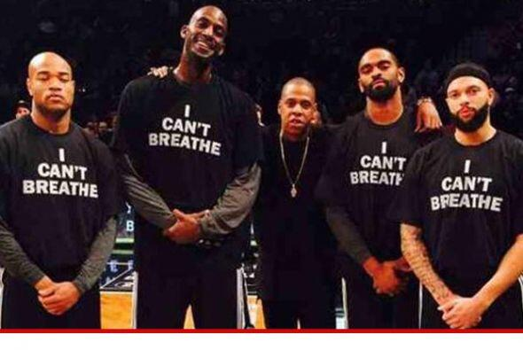 Algunos miembros de los Nets, incluyendo a Kevin Garnett y Jarrett Jack,...