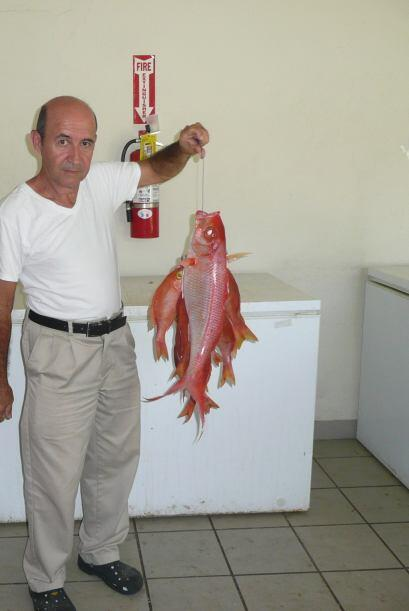 Rafael Pitre presidente de la asociación de Pescadores del Barrio Jarial...