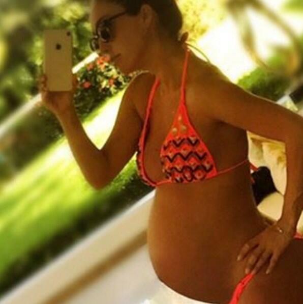 Anahí embarazada Pequeños Gigantes USA
