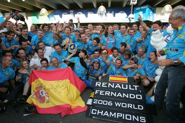 Alonso se despidió así de la escudería Renault.