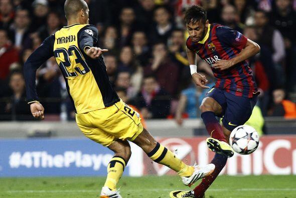 Los catalanes insistían, pero la defensa del Atlético trabajó horas extr...