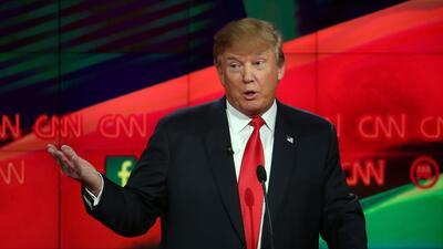 """Trump defiende su polémico plan de """"matar"""" familiares de los terroristas..."""