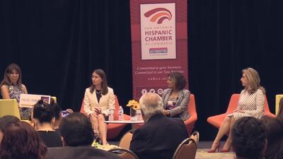 Mujeres latinas sobresalientes participaron en un evento para tratar de inspirar a la comunidad