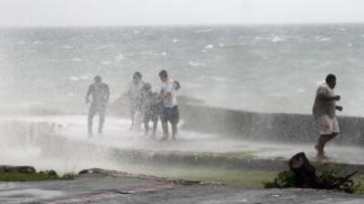 Irene podría transformarse en un importante huracán de categiría cuatro...