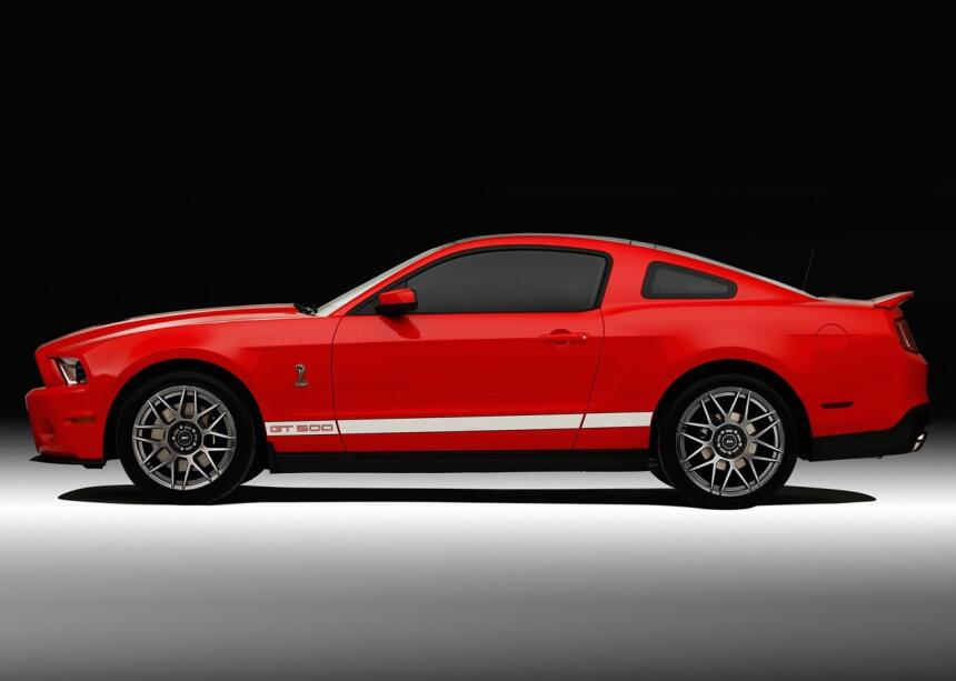 Medio siglo del Ford Mustang Fastback Ford-Mustang_Shelby_GT500-2011-128...