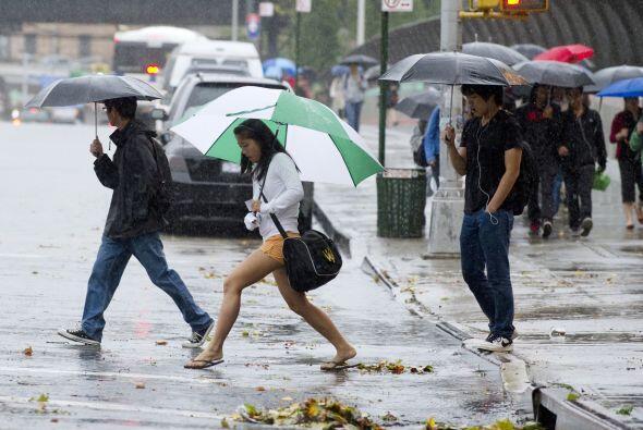 Las inundaciones amenazaban el viernes diversas zonas del noreste, tras...