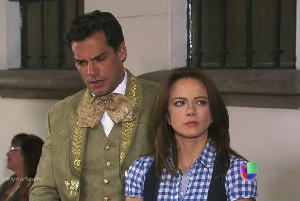 Cayetano pide que dejen en paz a su mujer, pero Camila y Daniel demostra...