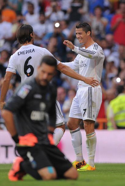 El delantero llegaba a 207 goles en partidos oficiales con Real Madrid,...